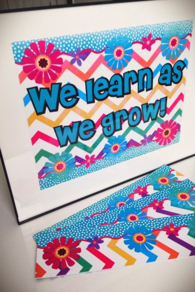 FREE Chevron Flower Themed Bulletin Board Display